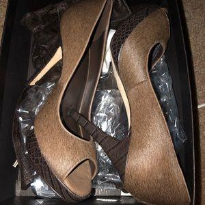 Pair of 4 inch pump heels